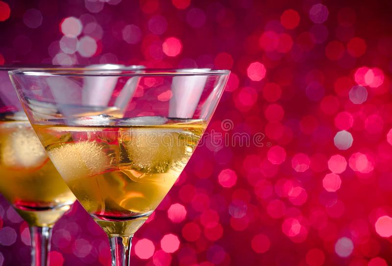 A Pair Of Glasses Of Fresh Cocktail With Ice Royalty Free Stock Photos