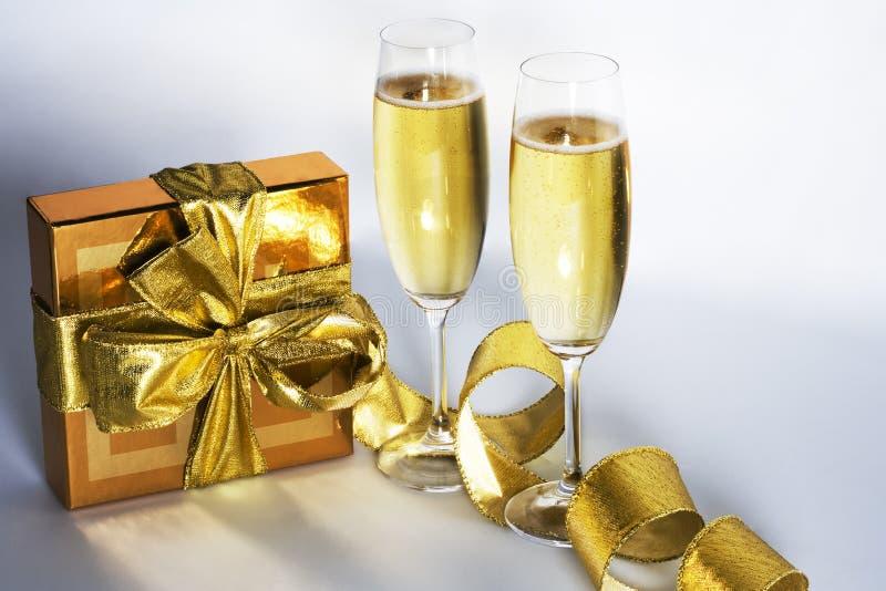 Paires de cannelures de champagne images libres de droits