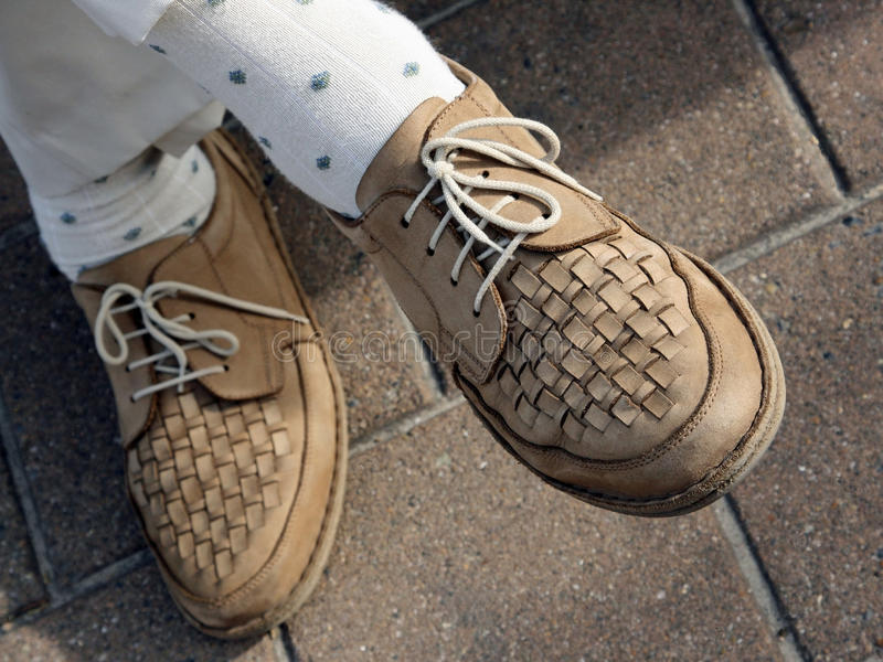 Paires De Chaussures De Marche Images libres de droits