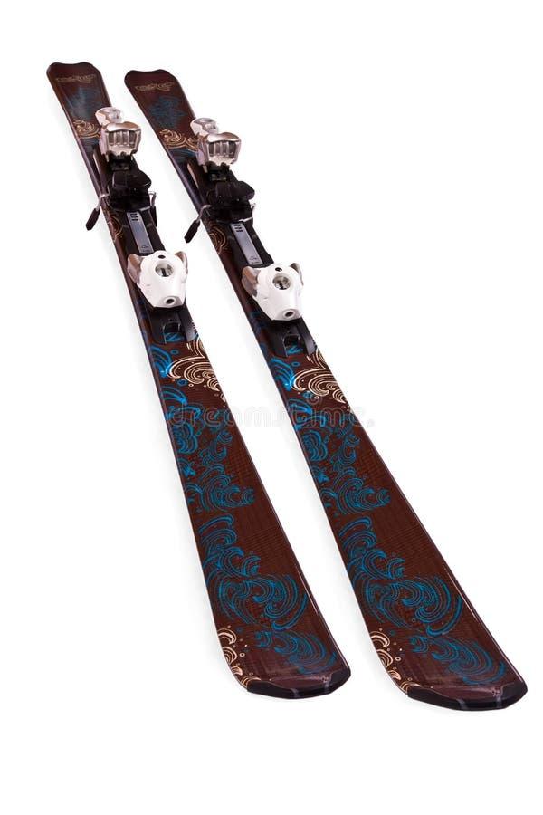 Paires de skis de montagne images libres de droits