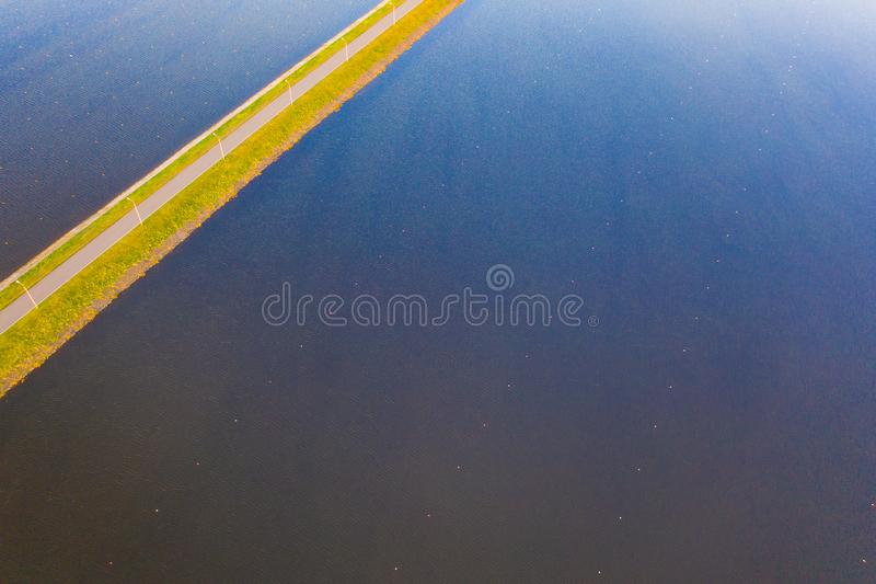 Paisagem aérea de superfície Rippling da água Conceito dos esportes foto de stock royalty free