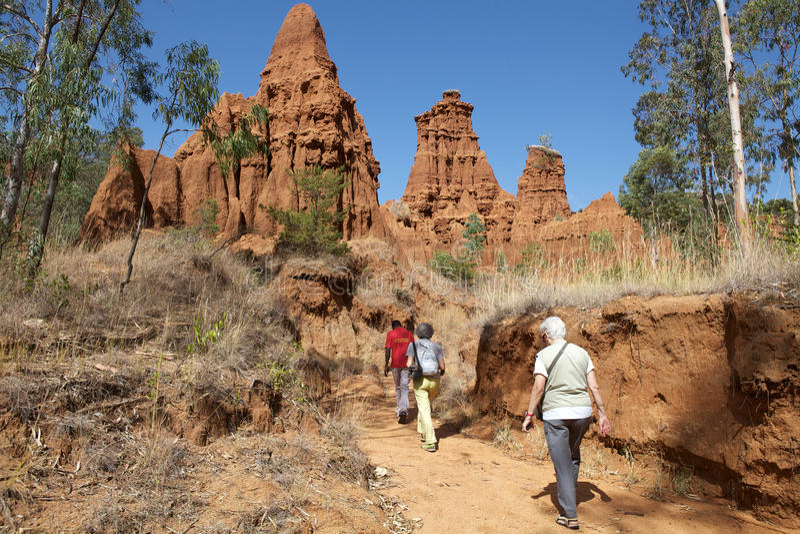 Paisagem africana e turistas fotos de stock