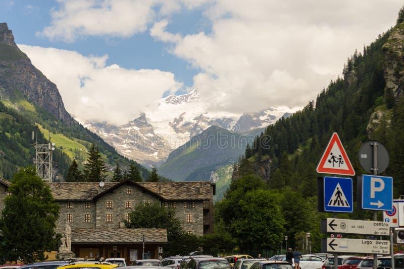 Paisagem alpina em Itália norte imagens de stock royalty free