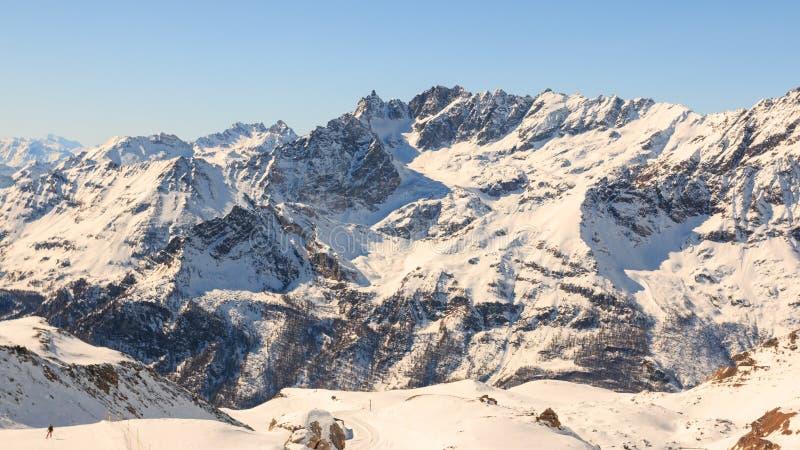 Paisagem alpina em Valtournenche fotografia de stock royalty free