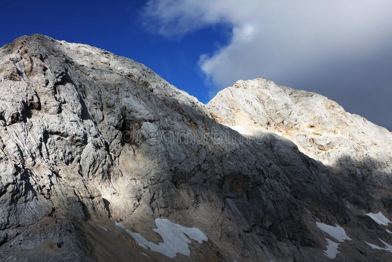 Paisagem alpina no Parque Nacional de Triglav, Alpes Julianos, Eslovênia fotografia de stock