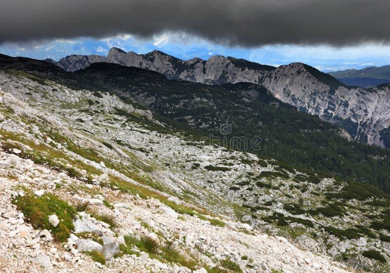 Paisagem alpina no Parque Nacional de Triglav, Alpes Julianos, Eslovênia imagem de stock royalty free