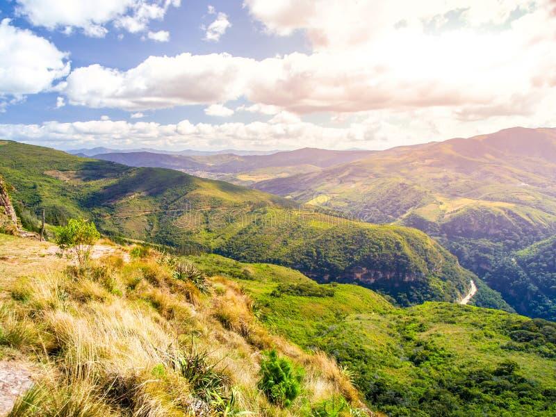 Paisagem andina em torno da vila de Samaipata, Bolívia, Ámérica do Sul fotos de stock