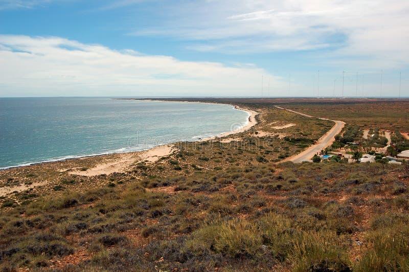 Paisagem australiana panorâmico - a baía de Exmouth Desfiladeiro no parque nacional da escala do cabo, Ningaloo da angra do Yardi imagem de stock