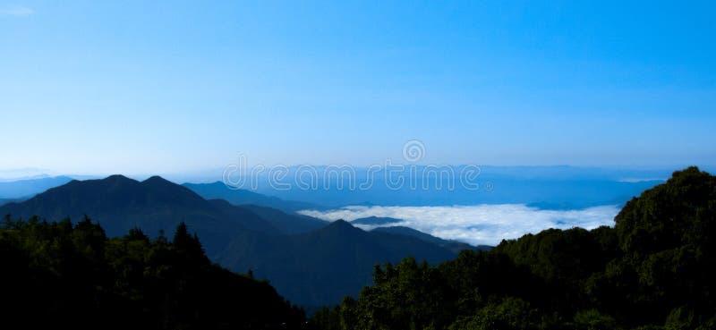 Paisagem azul da natureza de Ridge Parkway Appalachian Mountains Scenic imagens de stock royalty free