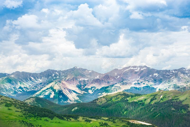 Paisagem bonita da montanha do verão em Colorado fotos de stock royalty free