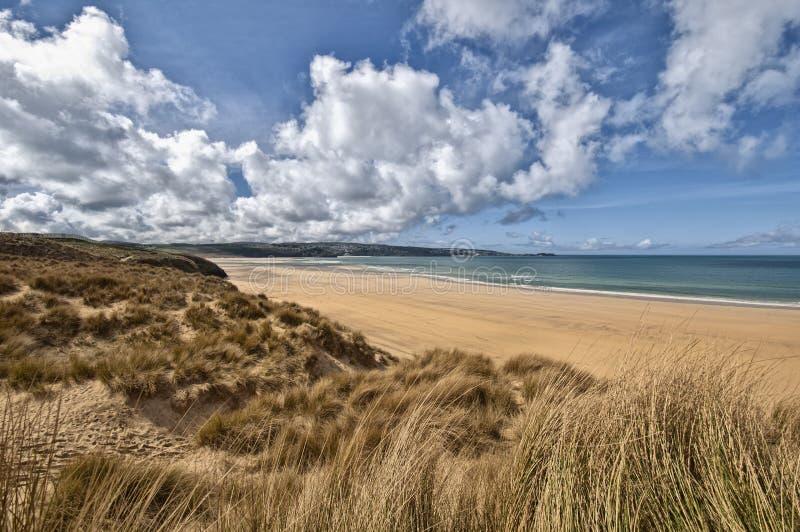 Paisagem bonita da praia de Cornualha imagem de stock