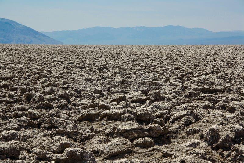 Paisagem bonita de cristais de sal, o Vale da Morte foto de stock royalty free
