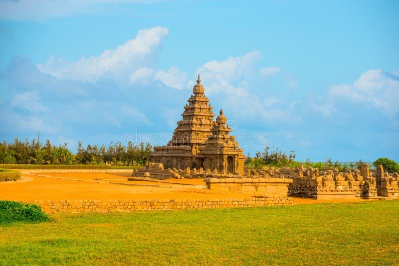 Paisagem bonita do ne famoso monolítico antigo do templo da costa foto de stock