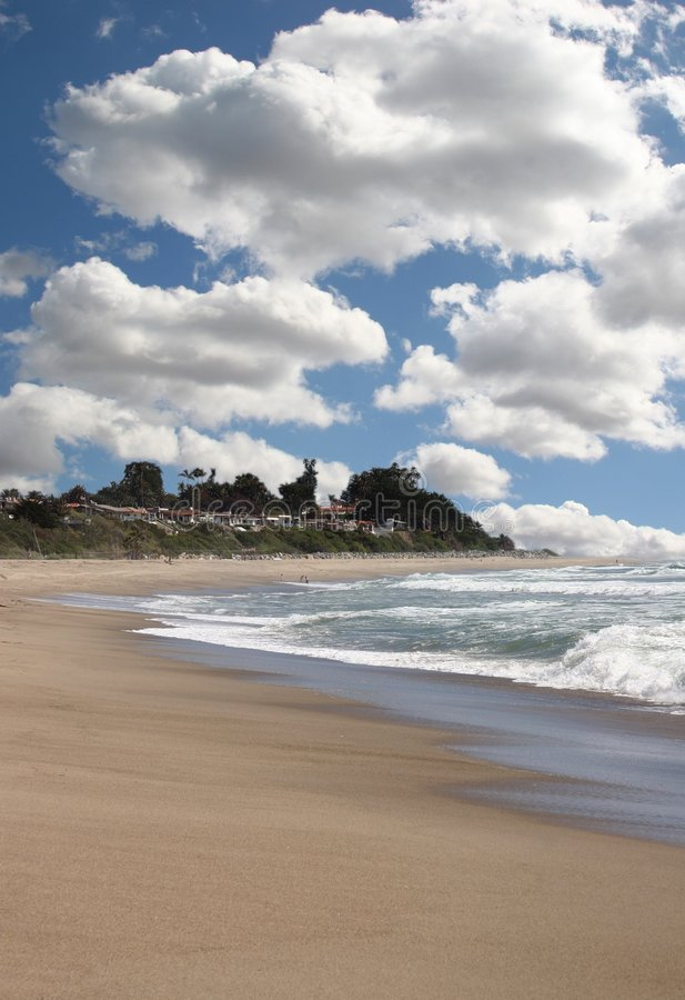 Paisagem bonita do oceano com céu brilhante fotos de stock royalty free