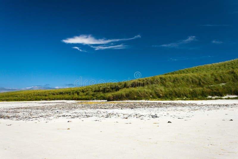 Paisagem brilhante da praia Areia de Cata, Sanday, Orkney, Escócia foto de stock