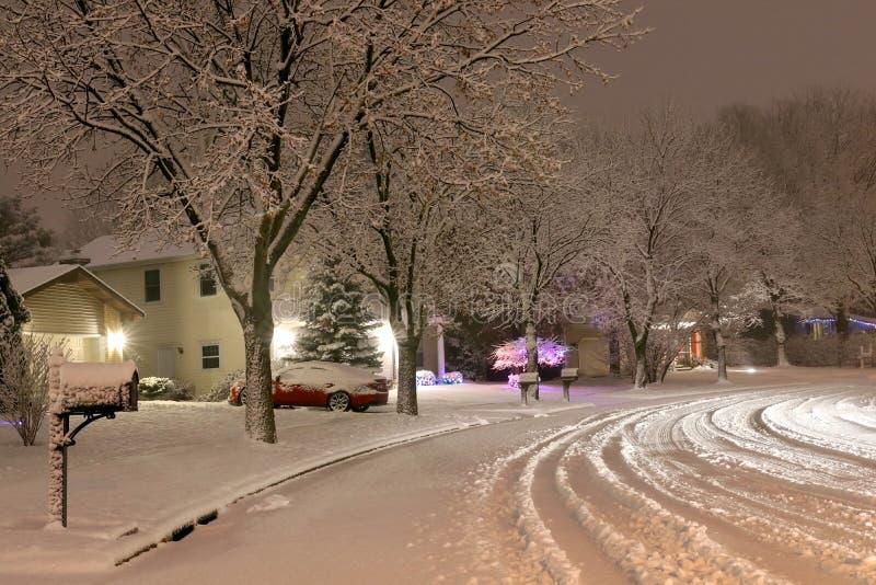 Paisagem cênico da noite do blizzard do inverno imagens de stock
