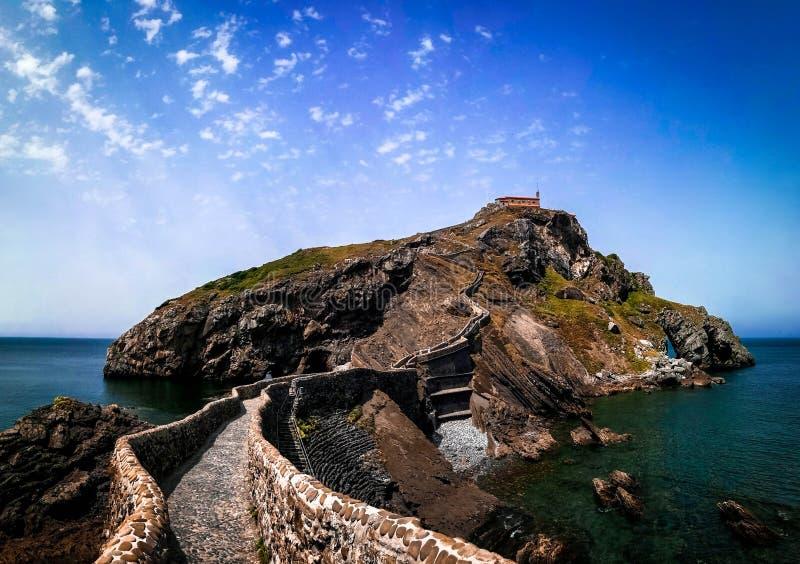 Paisagem cênico de San Juan de Gaztelugatxe, país Basque, Espanha imagem de stock