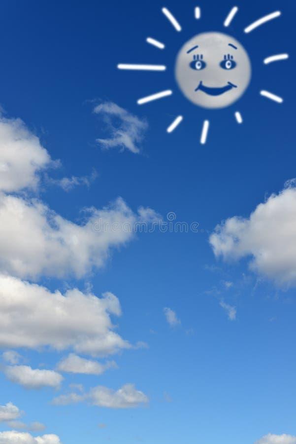Paisagem celestial Nuvens que assemelham-se ao sol engraçado fotos de stock royalty free