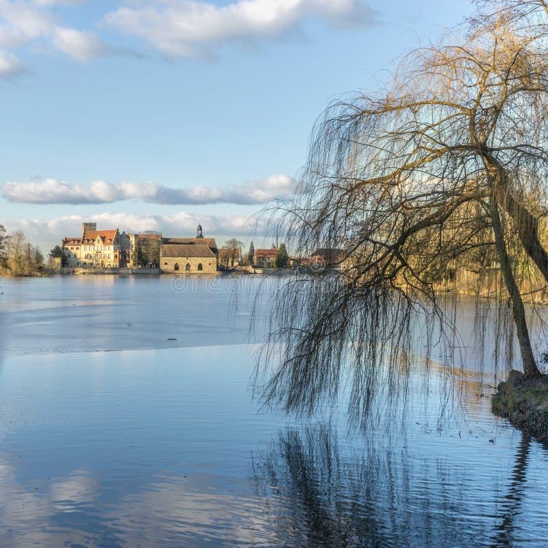 Paisagem com o castelo Flechtingen fotos de stock