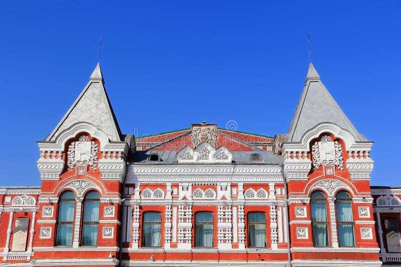Paisagem com teatro histórico e o céu azul foto de stock