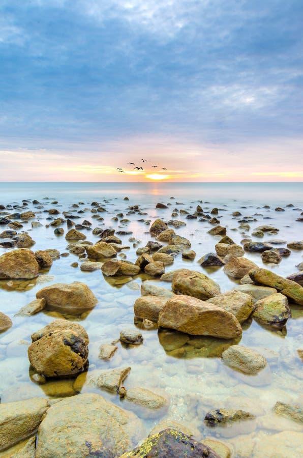Paisagem da beleza com nascer do sol fotografia de stock