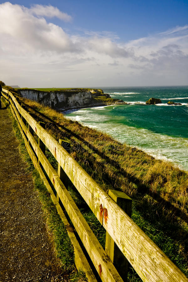 Paisagem da borda Irlanda do Norte Reino Unido da formiga do condado imagens de stock royalty free