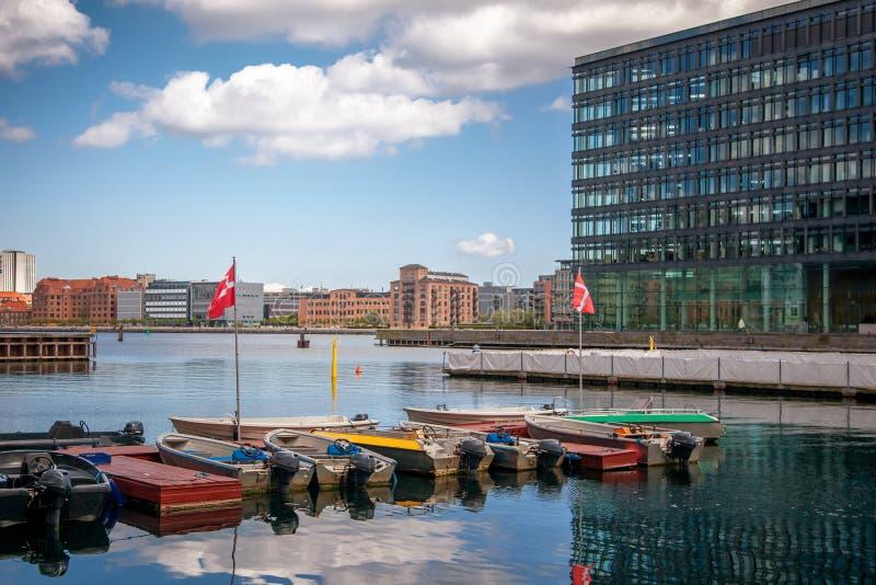 Paisagem da cidade, Copenhaga, Dinamarca, vista do canal Vesterbro foto de stock royalty free