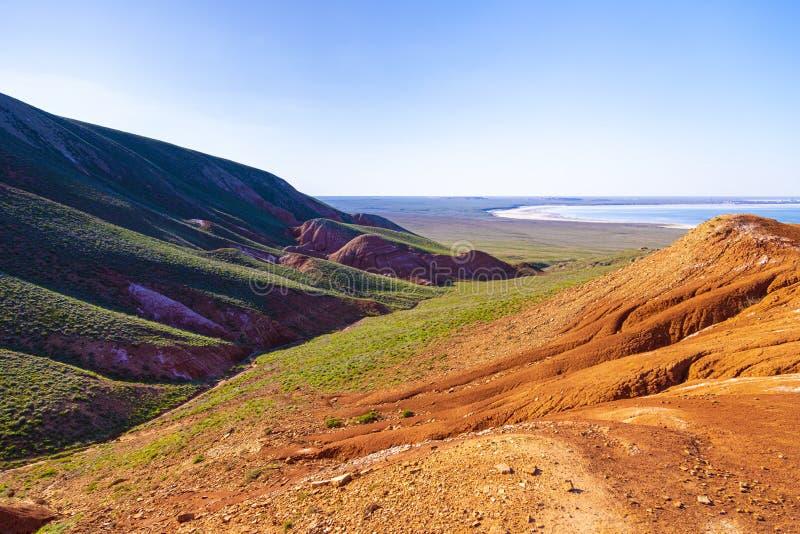 Paisagem da montanha Bogdo ao lago Baskunchak R?ssia foto de stock