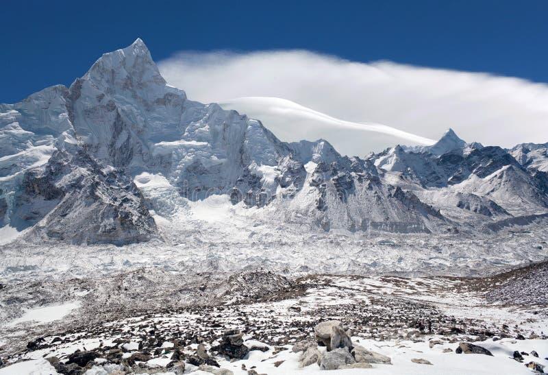 Paisagem da montanha de Himalaya na região de Everest, Nepal fotografia de stock