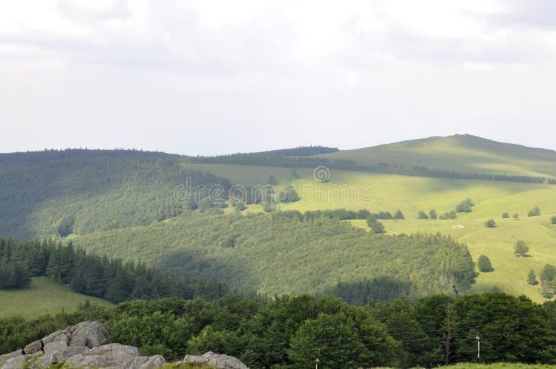 Paisagem da montanha de Semenic do condado de Caras-Severin em Romênia imagens de stock royalty free