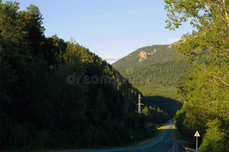 Paisagem da montanha de Ural do nascer do sol foto de stock royalty free