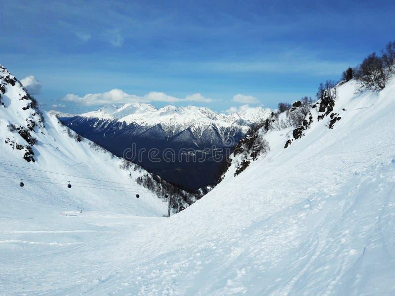 Paisagem da montanha do inverno em Sochi Rússia fotos de stock
