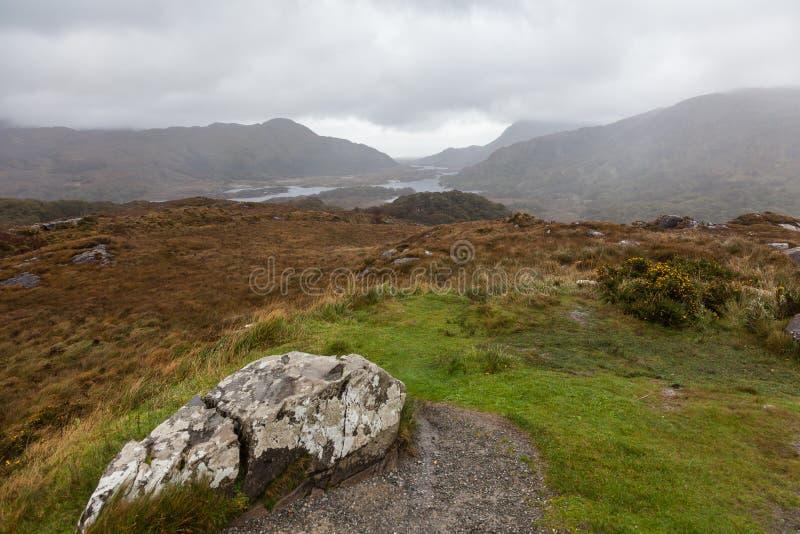 Paisagem da montanha do outono após a chuva foto de stock royalty free
