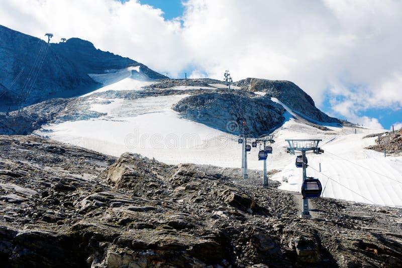 Paisagem da montanha e da geleira em Tirol Áustria, região de Hintertux fotos de stock royalty free