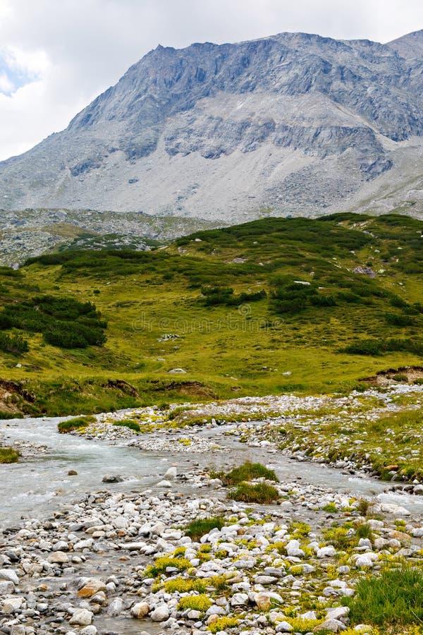 Paisagem da montanha e da geleira em Tirol Áustria, região de Hintertux imagens de stock royalty free