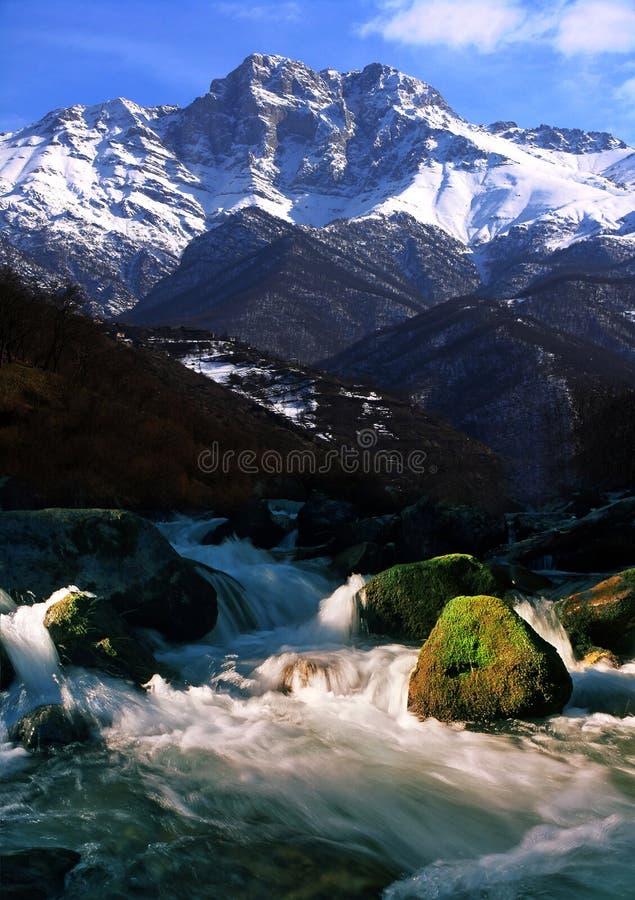 Paisagem da montanha em Arménia foto de stock