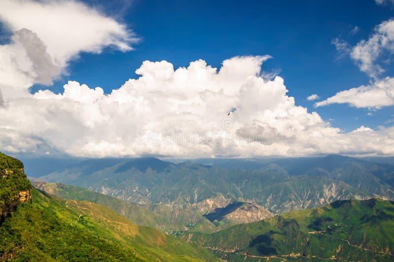 Paisagem da montanha em Parque Nacional de Chicamocha foto de stock