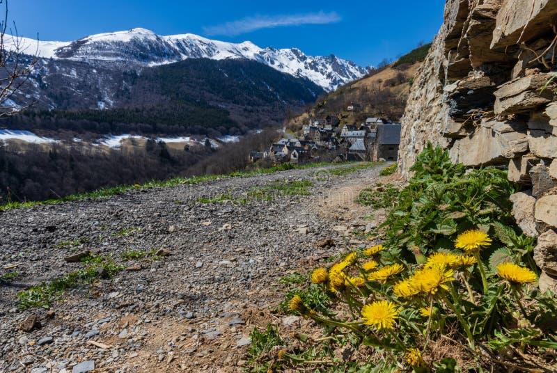 Paisagem da montanha da estrada de Saint-Lary-Soulan imagem de stock