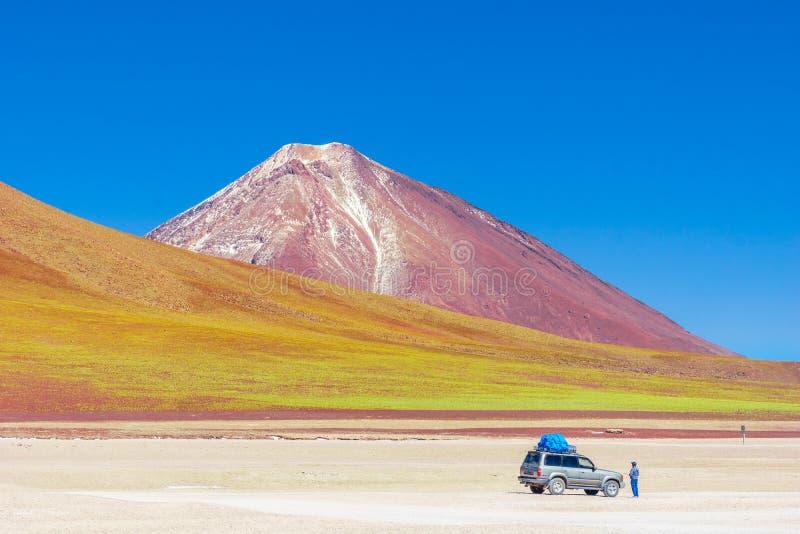 Paisagem da montanha na excursão de Uyuni em Bolívia fotografia de stock royalty free