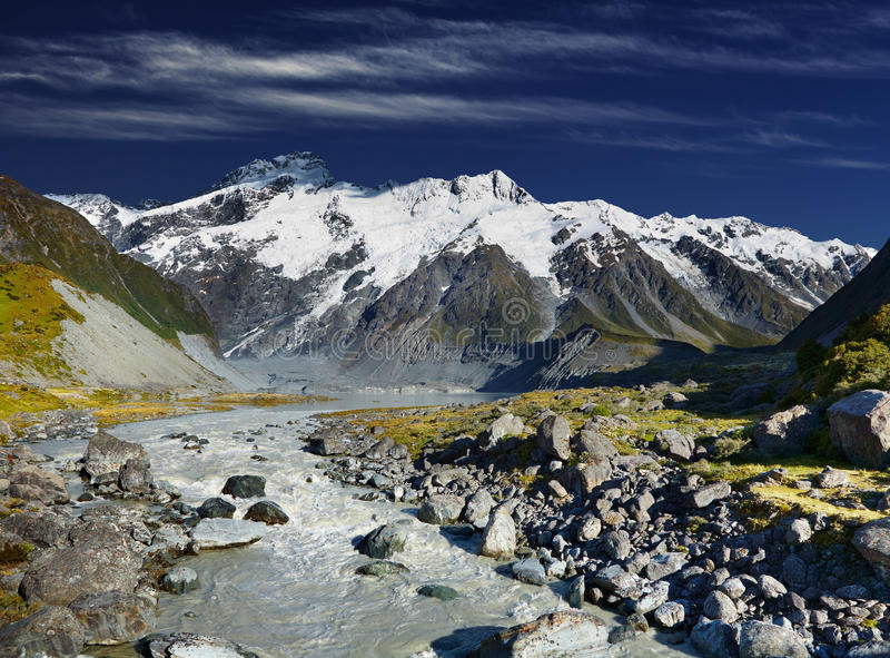 Paisagem da montanha, Nova Zelândia foto de stock