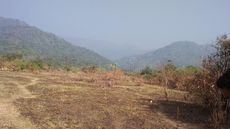 Paisagem da natureza das belezas dos montes das montanhas fotos de stock royalty free