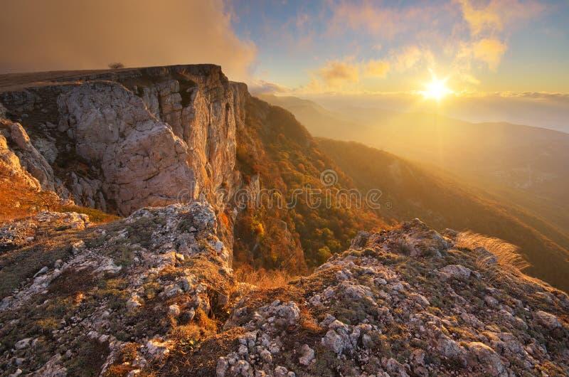 Paisagem da natureza do outono da montanha imagens de stock