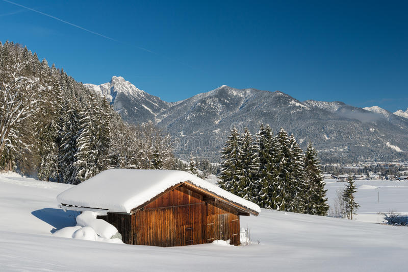 Paisagem da neve em cumes austríacos foto de stock royalty free