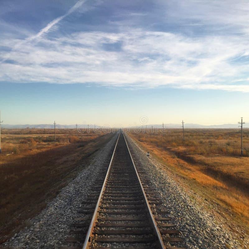 Paisagem da trilha Railway do Transporte-Mongolian imagens de stock