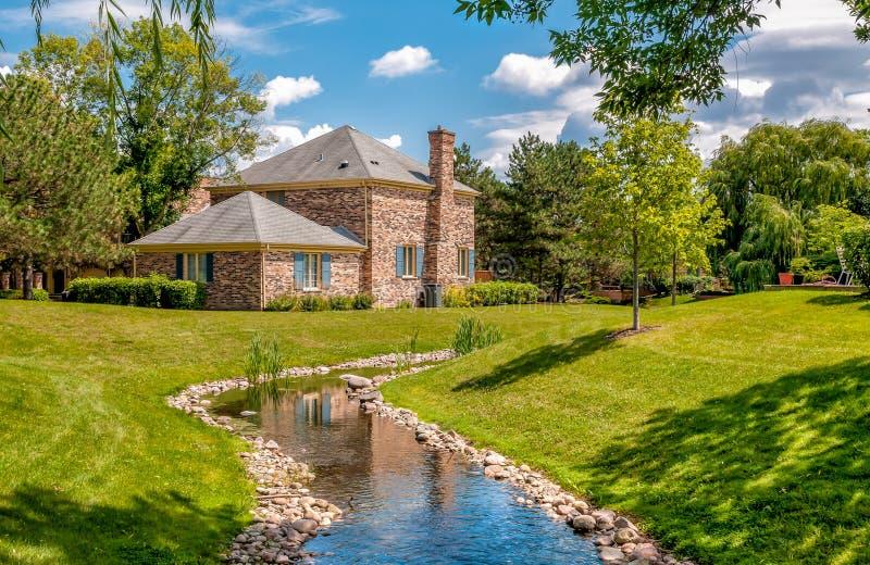 A paisagem da vila de Northbrook, é um subúrbio afluente de Chicago, situado na borda do norte do cozinheiro County, Stat unido fotos de stock royalty free