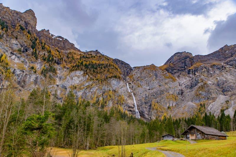 Paisagem das montanhas na área dos cumes de Suíça, Europa imagens de stock