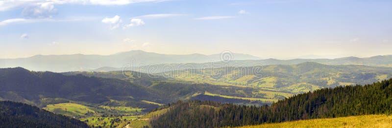 A paisagem das montanhas fotos de stock royalty free