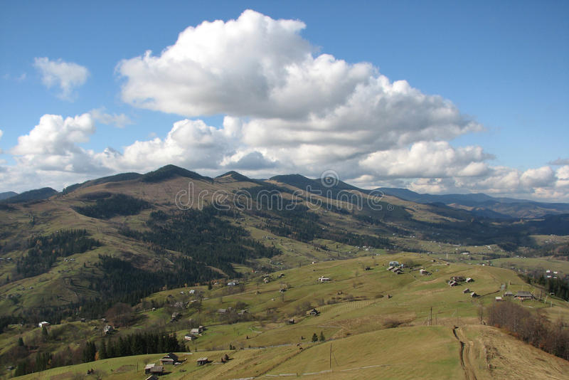 Download Paisagem de Carpathianâs. foto de stock. Imagem de paisagem - 12802176