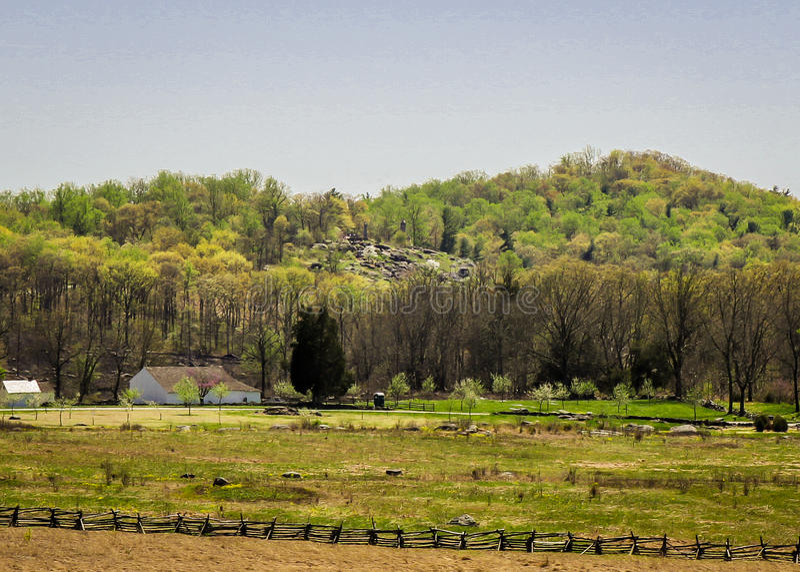 Paisagem de Gettysburg com pouca parte superior redonda no fundo imagem de stock royalty free