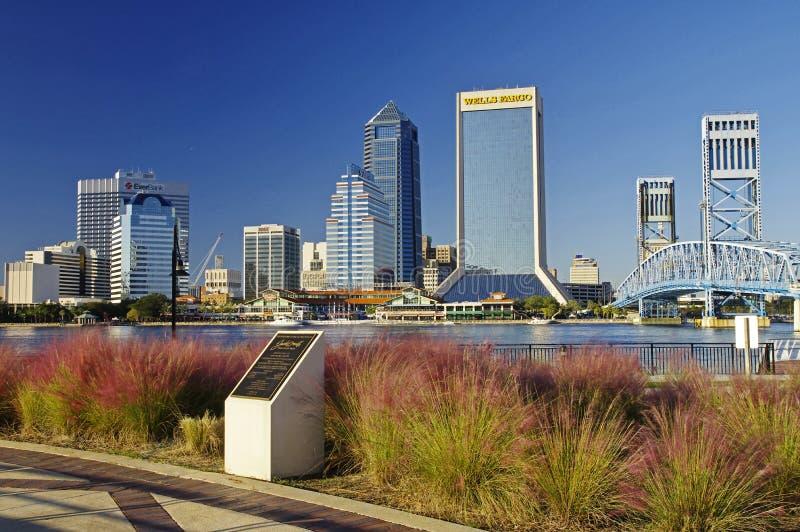 Paisagem de Jacksonville do centro em Florida, EUA imagem de stock